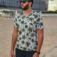Camiseta estampa coqueiros