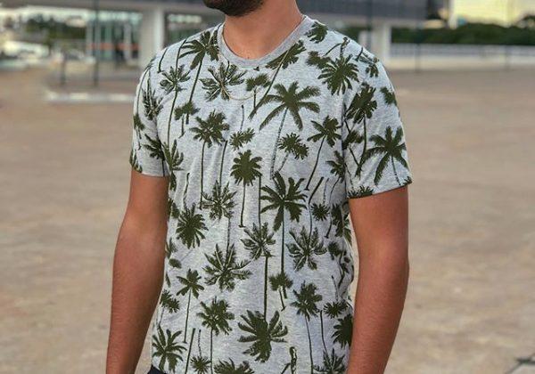 Camiseta estampa de coqueiros